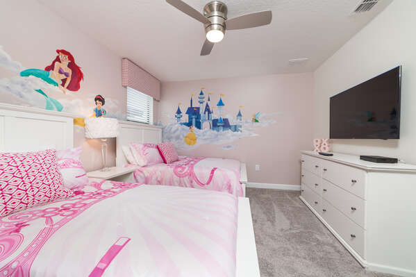 Fun princess bedroom for the little ones