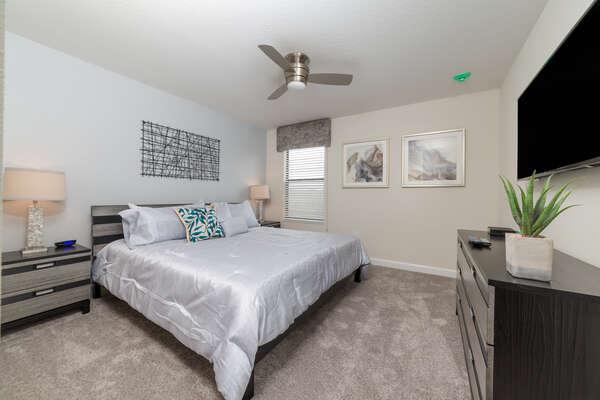 Comfortable King bedroom upstairs