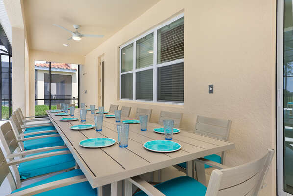 Dine al fresco with seating for 10