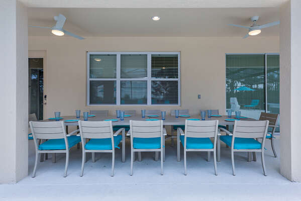 Dining area under the covered lanai