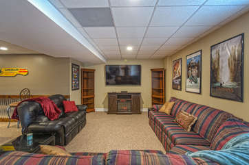 Large Lower Level Family Room with Plenty of Seating