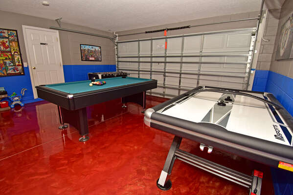 With this super games room the kids will never be bored