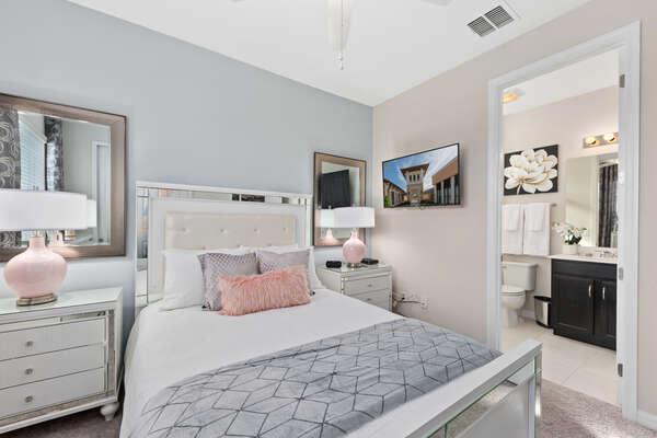Plush queen bedroom with ensuite bathroom