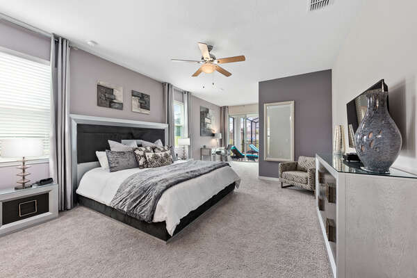 Spacious king master suite on the first floor