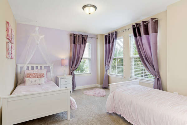 Beautiful bedroom with two twin beds
