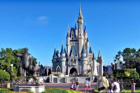 Only an hour from Disney