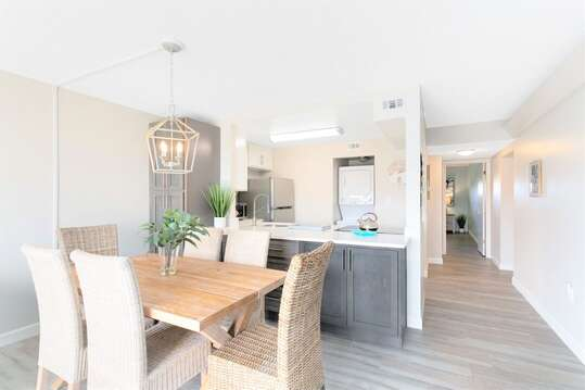 Open concept kitchen & dining room