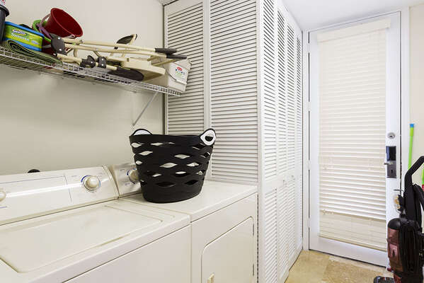 The home is equipped with a washer and dryer in unit