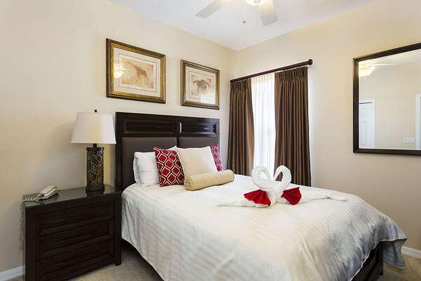 Comfortable queen bedroom