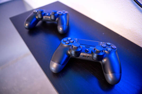 2 controllers allow for dual-player action