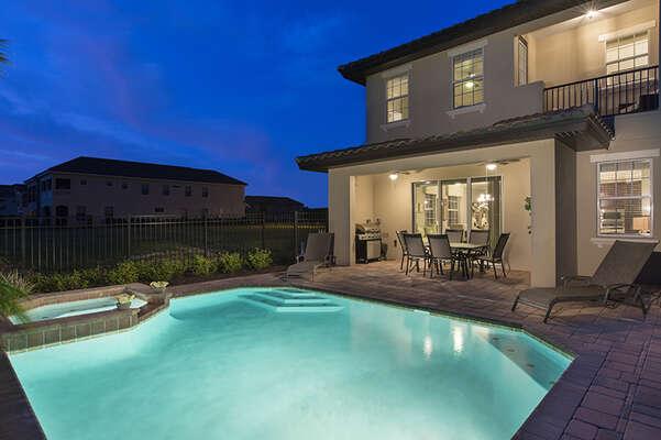A luxurious 6 bed villa in Reunion Resort