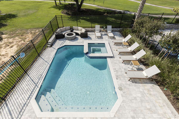 Even overlook the pool area