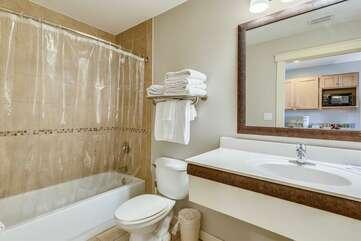 Full bathroom + shower/tub combo