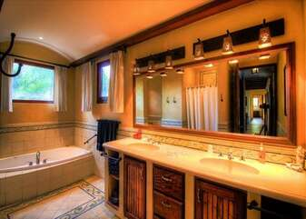 Double sinks and tub