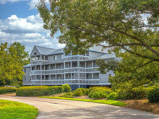 Enjoy your Seabrook Island vacation at 2406 Racquet Club Drive
