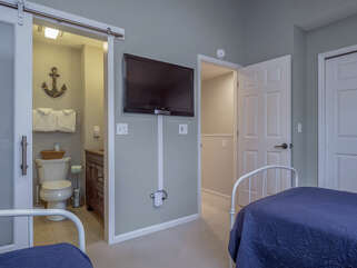 Guest room with 37