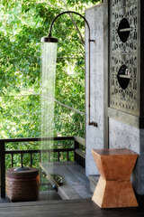 Shower in the jungle? YES