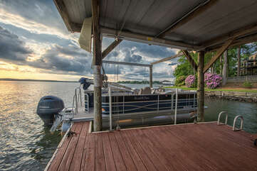 Pontoon available for rent, be sure to inquire about our boat rentals.