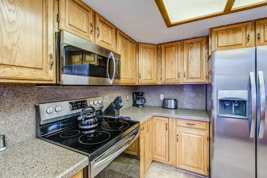 Stainless Steel Appliances including a Ceramic Top 5-Burner Electric Range