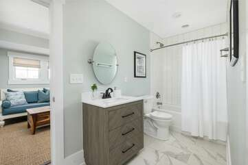 3rd Bathroom (with shared access to the upstairs lounge and game room.