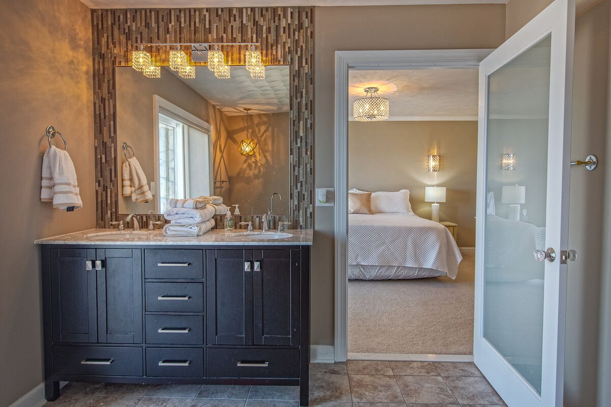 Beautiful En Suite Bath in our Smith Mountain Lake House Rental