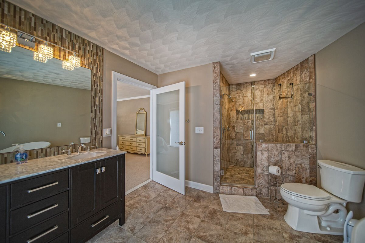 Huge Bathroom with Walk-In Shower in Ancora Point
