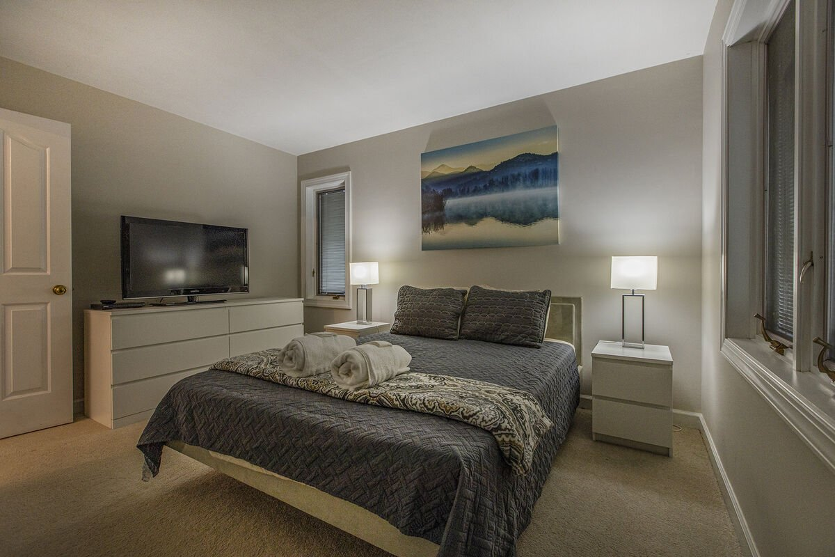 Main Level Bedroom , with TV