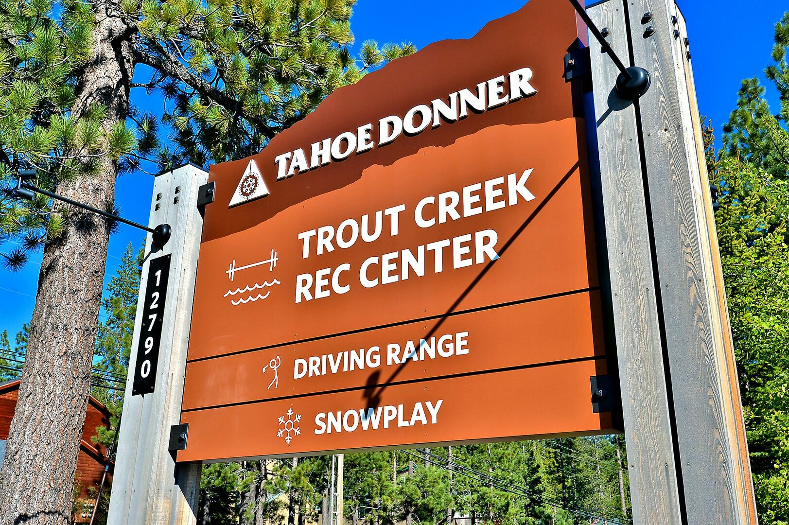 Sign for the Trout Creek Rec Center.