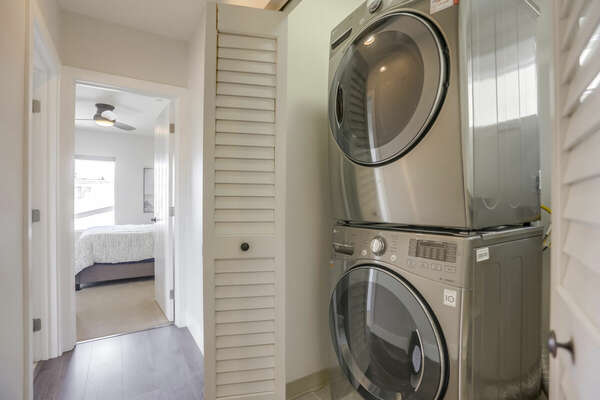 Image of Washer and Dryer in Closet.