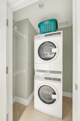 Stacked washer and dyer