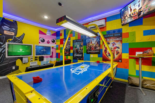 So many details to be found in this fun game room