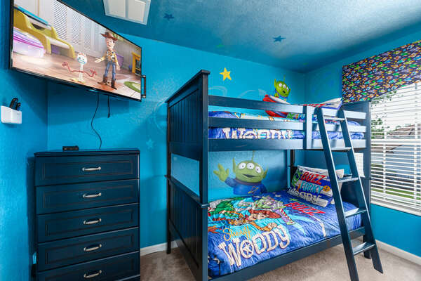 With a huge flatscreen TV, this is the perfect room to relax after long days at the theme park.