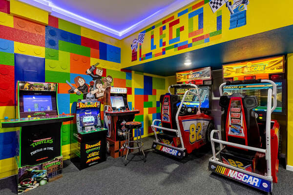 Play all day in this AWESOME arcade game room