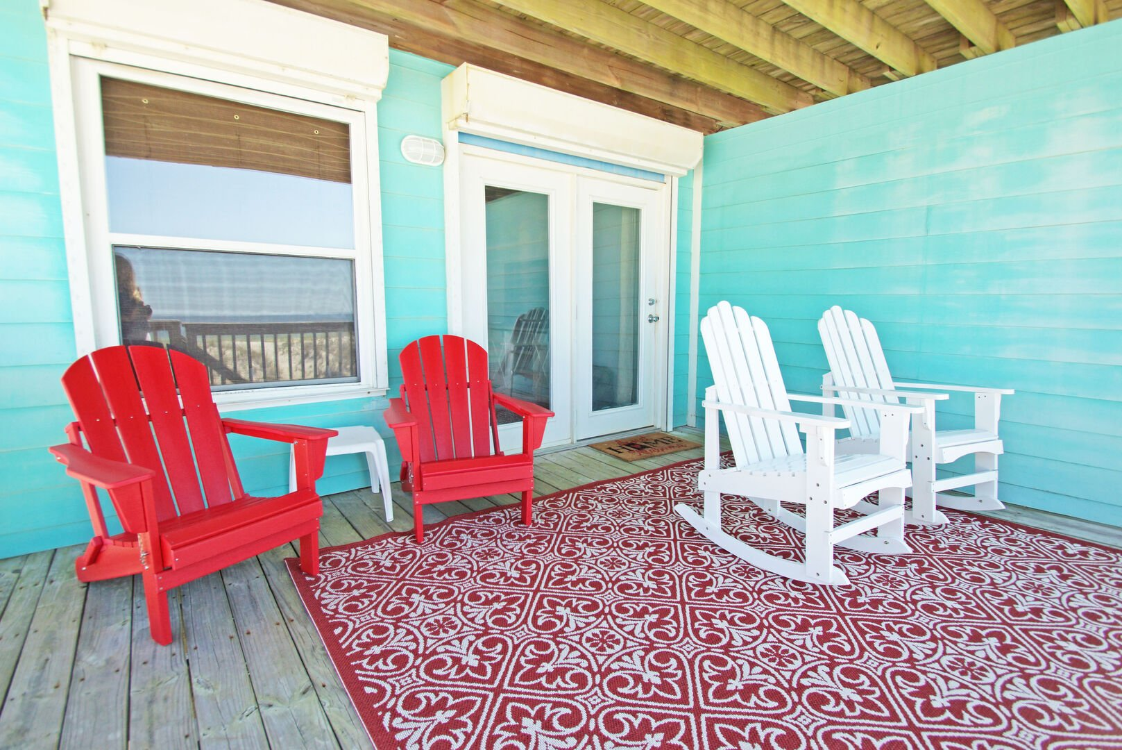 Main floor covered deck