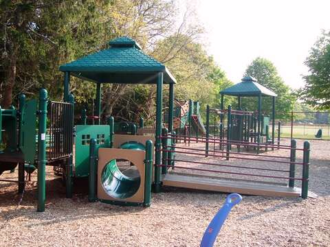 Playground and public tennis courts at Brooks Park Harwich Center. - Cape Cod New England Vacation Rentals
