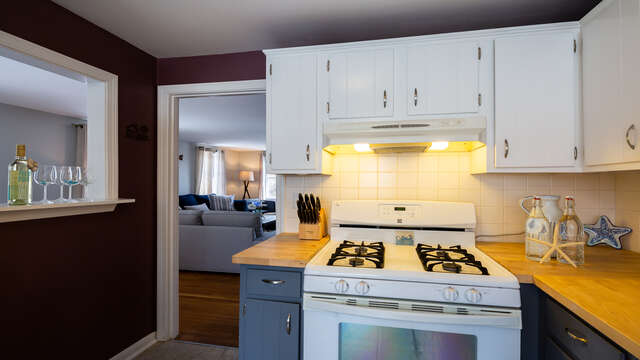Kitchen opens to living and dining areas - 790 Queen Anne Road Harwich- Cape Cod New England Vacation Rentals