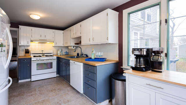 Open kitchen - 790 Queen Anne Road Harwich- Cape Cod New England Vacation Rentals