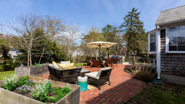 So many places to catch up with family and friends - 790 Queen Anne Road Harwich- Cape Cod New England Vacation Rentals