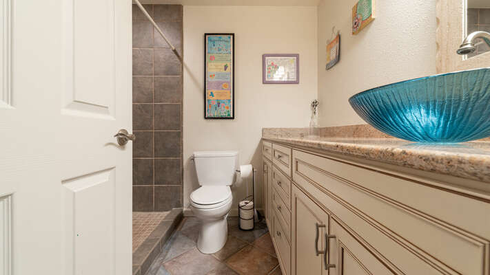 Master En-Suite Full Bath with Walk-In Shower