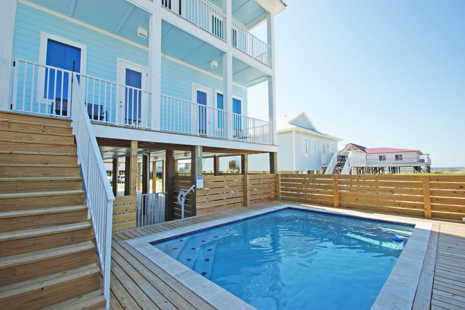 Easy access to the pool of this Vacation Home in Gulf Shores.