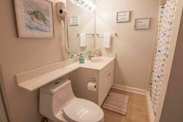 bathroom in 2nd bedroom
