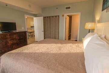 maser king bedroom