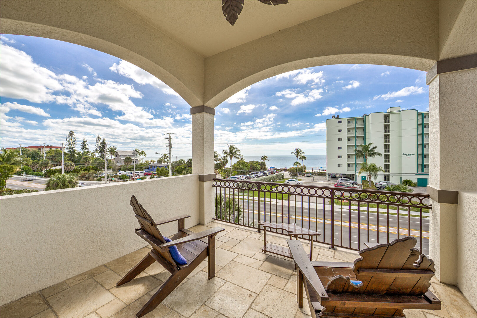 Small Balcony Vacation Home for Rent in Fort Myers Beach