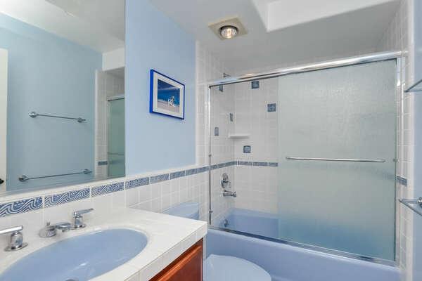 Kids Bathroom Tub/Shower - Second Floor