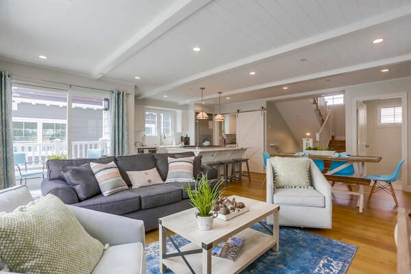 Living Room on the Second Floor of this La Jolla Luxury Rental, with ample seating and coffee table.
