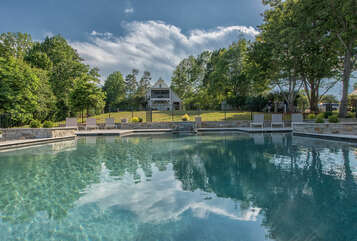 New large pool (shared with Azalea Retreat-The Cottage)