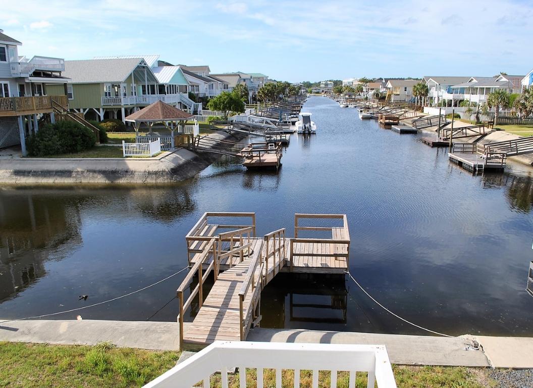 109E2 Canal Home