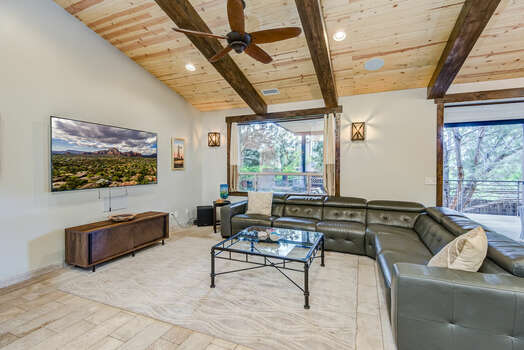 Comfortable Space to Relax after a Day of Activities with Plenty of TV and Movie Options