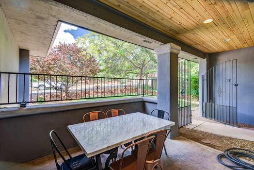 Outdoor Dining on the Front Entry Patio