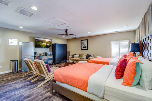 Garage Converted to Bedroom 3 Casita with a Full Bath, Refrigerator and Separate Entrance